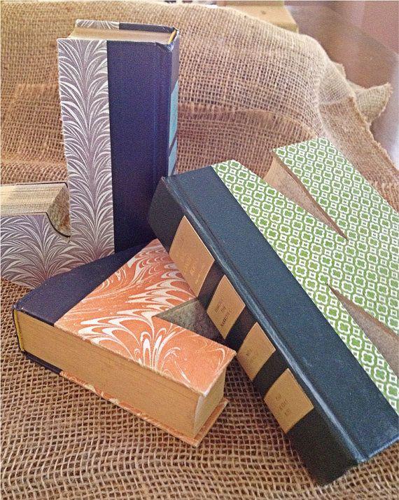 Livros em forma de livros